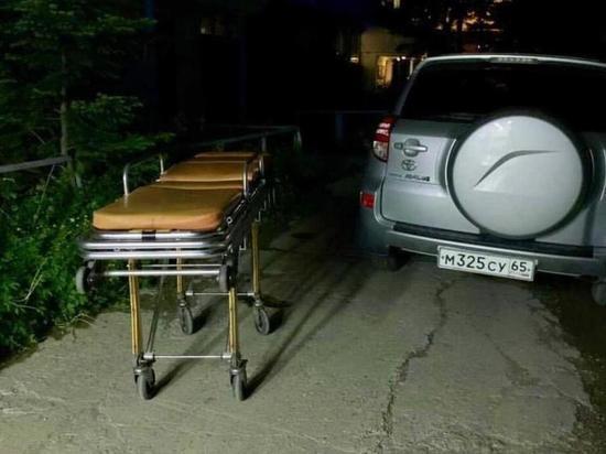 Водитель на Сахалине не стал думать и перегородил проезд «Скорой помощи»