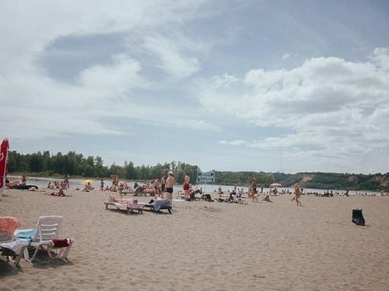 В Барнауле открыли городской пляж на острове Помазкин