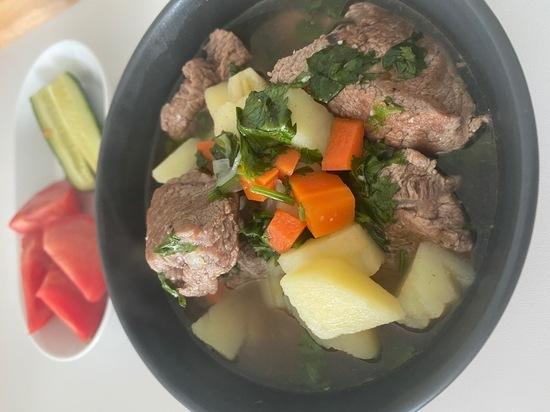 Что приготовить на ужин: говядина с овощами в бульоне