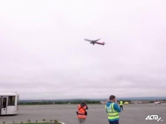 Сахалин принял первый чартерный самолет с туристами