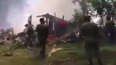 Крушение военного самолета на Филиппинах попало на видео