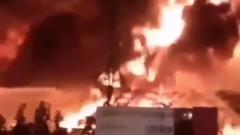 В Таиланде взрыв и пожар уничтожили химический завод: видео