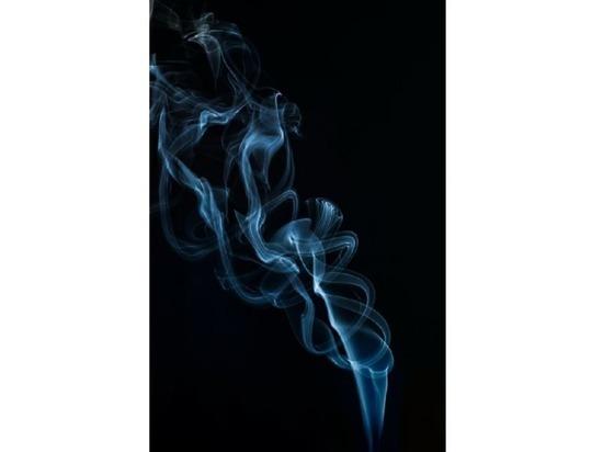 Врачи говорят об опасности курения после прививки от COVID-19