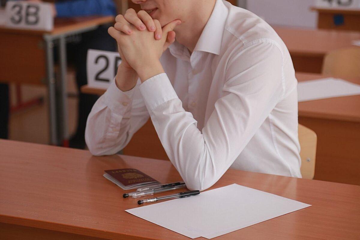 Костромские итоги: 12 выпускников школ сдали тесты по ЕГЭ на 100 баллов