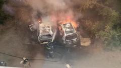 В Новосибирске на Писарева,4  сгорели две машины