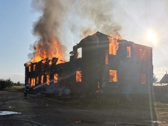 В Приморском районе при пожаре чуть не сгорела женщина