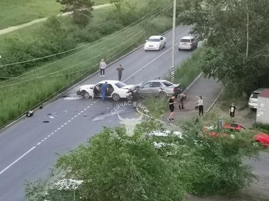 Трое пострадали в ДТП, перекрывшем дорогу в Северном в Чите