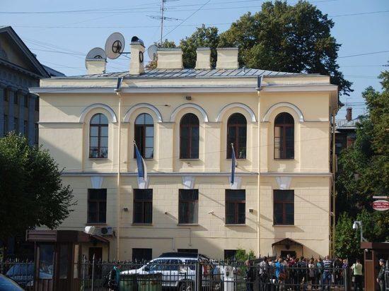 «Секретные материалы» могут обернуться депортацией консула Эстонии из Петербурга