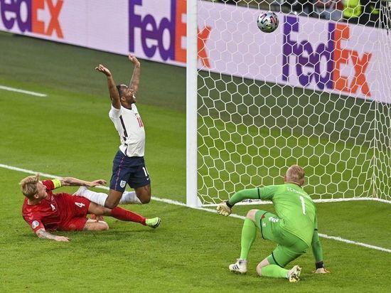 Англия стала вторым финалистом ЕВРО-2020, обыграв Данию