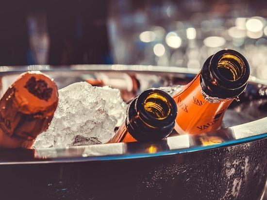 Авторы поправок в закон об алкоголе объяснили понятие «российское шампанское»