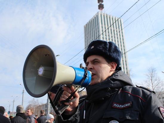 Жители Архангельска обеспокоены тем, кто будет охранять город от протестов вместо популярного майора