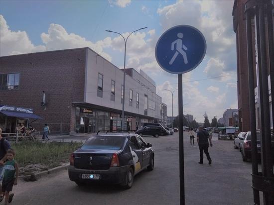 Автомобилисты Петрозаводска игнорируют знаки новой пешеходной дорожки на Древлянке