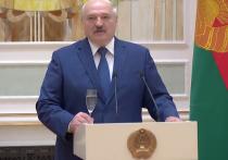 Президент Белоруссии Александр Лукашенко в ходе выступления на церемонии чествования выпускников высших военных учебных заведений и высшего офицерского состава заявил, что сейчас нужно готовиться к войне не так, как это было прежде