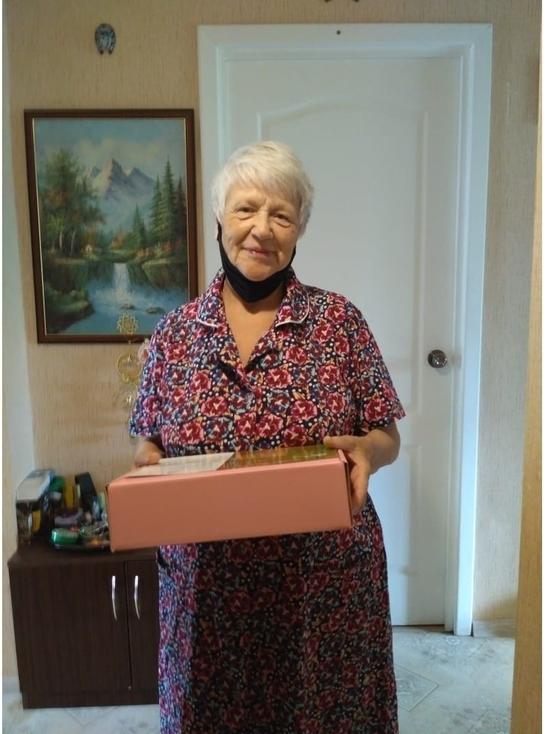 Более семисот жителей Серпухова получили подарки от Губернатора