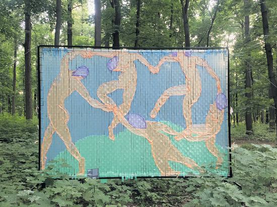 QR-контроль вывел художников в парк