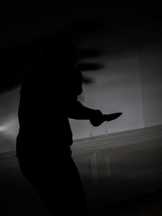 В Яровом женщина убила знакомого и оставила тело в квартире