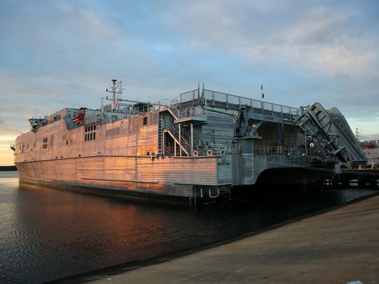 Десантный корабль США впервые зашел в Черное море:  «Попутали берега»