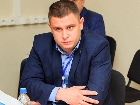 Глава Первомайского района вышел на работу спустя год после травмы