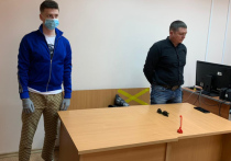 Полугодом исправительных работ и возмещением ущерба в размере более 72 тысяч рублей отделался блогер Андрей Бурим (Mellstroy), избивший модель Алену Ефремову во время прямого эфира