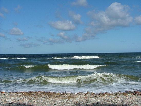 Корабли, участвующие в учениях Sea Breeze, решили временно оставить в Черном море