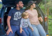 Плюсы и минусы туризма «на колесах»  Путешествовать на собственном автомобиле увлекательно и доступно, хотя многие считают, что этот способ не для них