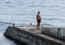 Власти Краснодарского края приняли очередное не слишком популярное решение по регулированию работы туристической отрасли в период пандемии, которое грозит добить и без того срывающийся высокий сезон