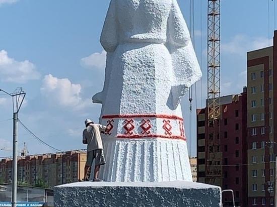 На въезде в Йошкар-Олу завершается реставрация скульптуры «Хлеб-соль»