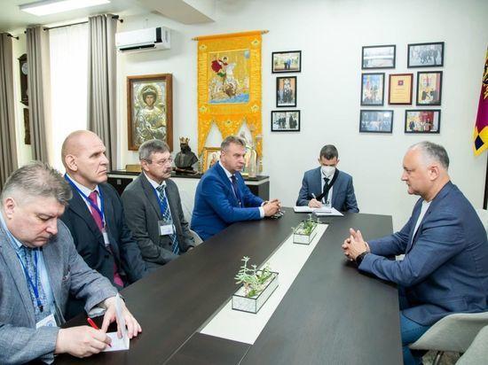 Игорь Додон встретился с международными наблюдателями на выборах