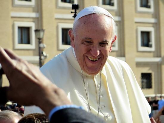 Папа Франциск произнесет воскресную молитву из окна клиники в Риме