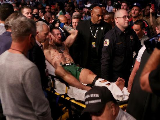 Конора настигла карма: турнир UFC 264 закончился жутким переломом ноги