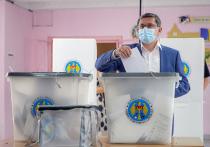 Молдавия сегодня выбирает парламент