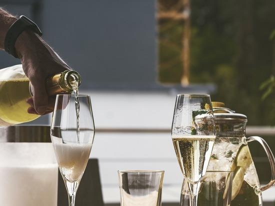 Зачем обидели шампанистов: исчезнет ли французское игристое из России