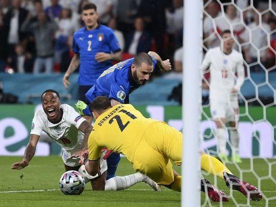 Сборная Италии сравняла счет в матче с Англией в финале Евро-2020