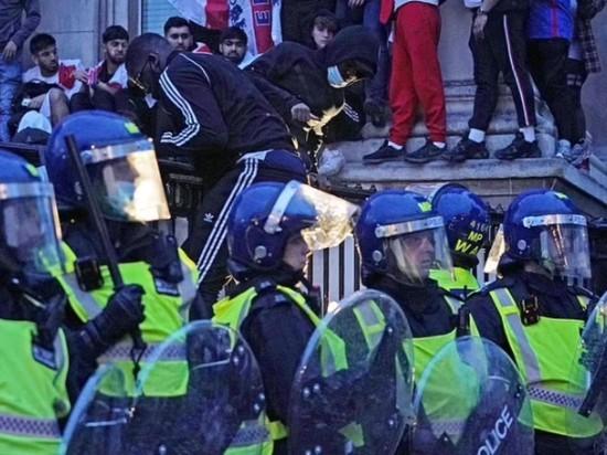 Лондон охватили беспорядки после поражения сборной Англии в финале Евро-2020