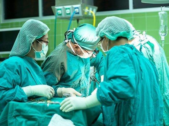 Конору Макгрегору провели многочасовую операцию после перелома ноги