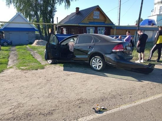 При наезде автомашины на опору газопровода в Марий Эл погибла девушка
