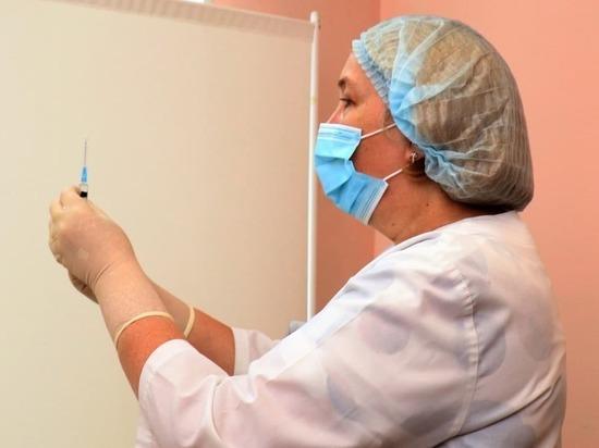 Почти половина населения Кузбасса получила первую аппликацию вакцины против COVID-19