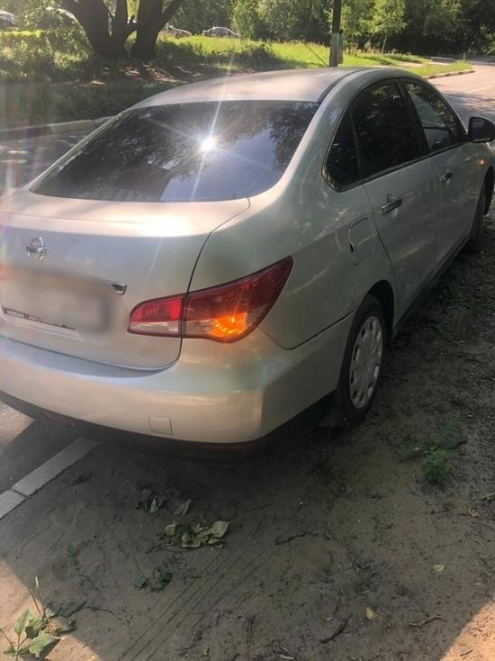 В Твери «Ниссан» сбил женщину на дороге