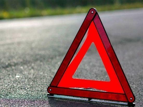 В результате ДТП в Шенкурском районе водителя зажало в перевёрнутом автомобиле