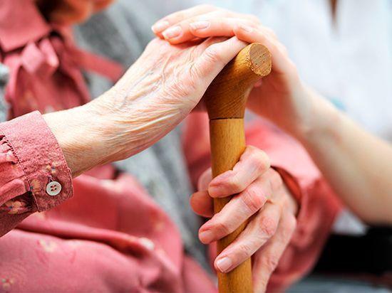 В России успешно действует система приемных семей для пожилых
