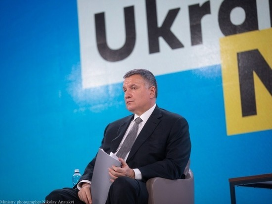 Он написал заявление по просьбе президента Зеленского