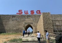 Шуша (по-армянски Шуши) – маленький городок, расположенный в самом сердце Нагорного Карабаха, всего в каких-то десяти километрах от Степанакерта