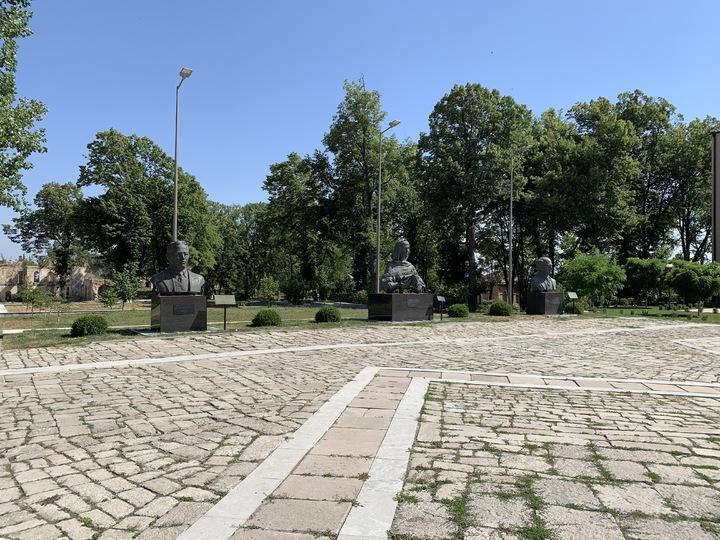 «В руинах валяется розовый тапок»: сердце Карабаха после войны