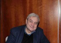 Сын российского художника Никаса Сафронова, пианист Лука Затравкин (Сафронов) сообщил, что они с отцом в последнее время помогали режиссеру Александру Стефановичу, который скончался 13 июля на 77-м году жизни