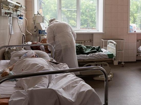Житель Бердска пригрозил облить себя бензином из-за нехватки кислорода для его матери в больнице