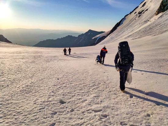 Тело погибшего новосибирского альпиниста Георгия Шевелева достали из ущелья