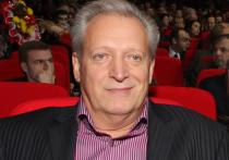 Бывший муж Аллы Пугачевой, режиссер Александр Стефанович в возрасте 76 лет умер от коронавируса