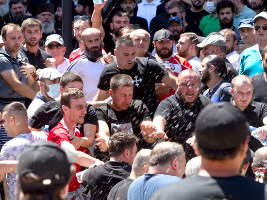 Гей-парад расколол Грузию надвое: запахло сменой власти