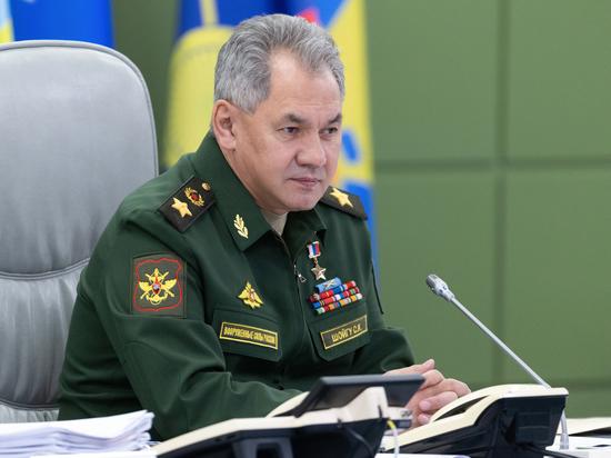 Шойгу рассказал о планах перевооружения армии и подготовке кадров