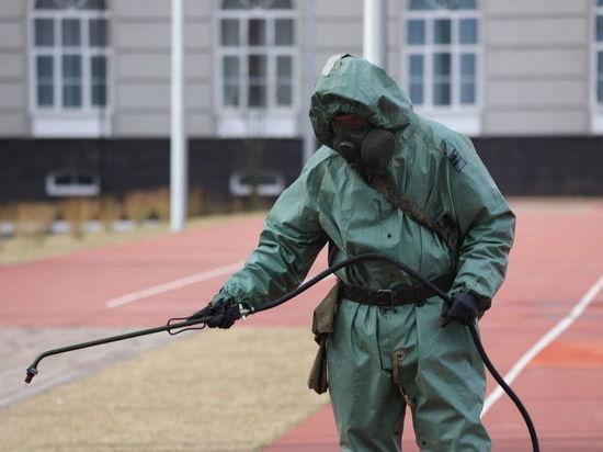 Военные полили химикатами центр Петербурга перед Днем ВМФ